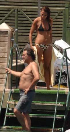 Onların aşkı Bodrum tatilinde çekilen fotoğraflarla ortaya çıktı.