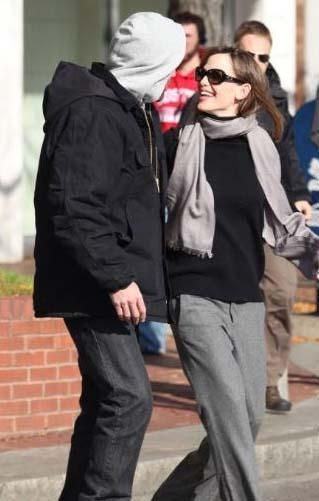 Üç çouk sabihi olmalarına rağmen heyecanları hala solmayan Ben Affleck ve eşi Jennifer Garner.