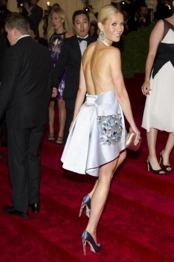 Gwyneth Paltrow, her zamanki gibi yine minimalist bir yıklık içindeydi.