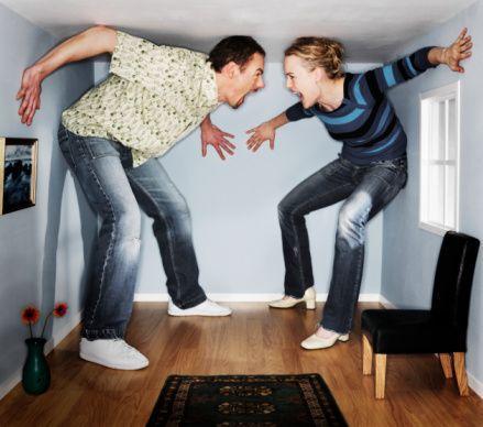 Sürekli tartışmak   Her konuyu her fırsatta bir tartışma haline getiren erkek itici gelir.