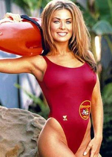 Herkes Carmen Electra'yı Sahil Güvenlik dizisindeki cankurtaran rolüyle tanıdı. Ama o doğru dürüst yüzme bile bilmiyor.