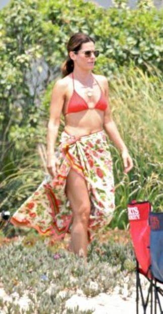 Aynalardan nefret eden Sandra Bullock'un su korkusu da var.