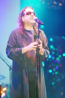 İlhan İrem 1970'li yıllardan bu yana özgün yapıtlarıyla Türk pop müziğinden farklı bir yer edindi.