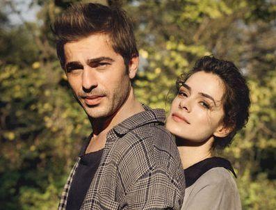 Ekranların sempatik çifti Engin Altan Düzyatan – Özge Özpirinççi, birlikteliklerini başarıyı yakalamış gibiler...