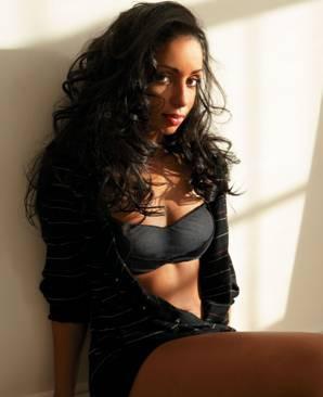 R&B şarkıcısı Mya
