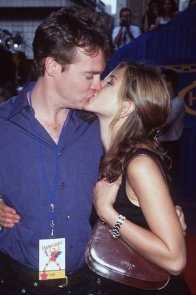 Jennifer Aniston ilk görüşte aşık olduğu genç aktör Tate Donovan'la hayatını birleştirecekti.