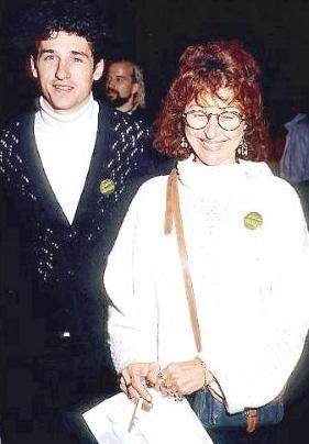 """""""Grey's Anatomy"""" dizisinin karizmatik doktoru Patrick Dempsey, menajeri Rocky Parker ile 1987 - 1994 yılları arasında evli kaldı."""