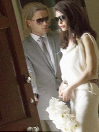 Aslında bu fotoğraflar, Jolie ve Brad'in benzeri iki oyuncuya ait.