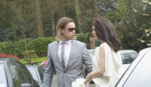 Birkaç ay önce Hollywood Reporter'a yaptığı açıklamada Brad Pitt, Angelina Jolie'yle ancak tüm Amerikan eyaletlerinde eşcinsel evliliklerin yasal olmasının ardından evlenebileceğini söylemişti.