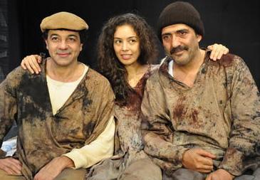 Önce Anlat İstanbul adlı filmde rol aldı.. Sonra TV dizileri geldi.. 72'nci Koğuş adlı tiyatro oyununda da oynadı.