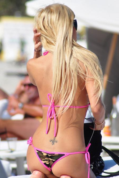 Ünlü model plajda sevişirken yakalandı - 36