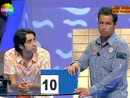 Hamdi Beyin 10 bin liralık teklifini geri çeviren Mevlüt yarışmadan adece 10 lirayla ayrıldı.