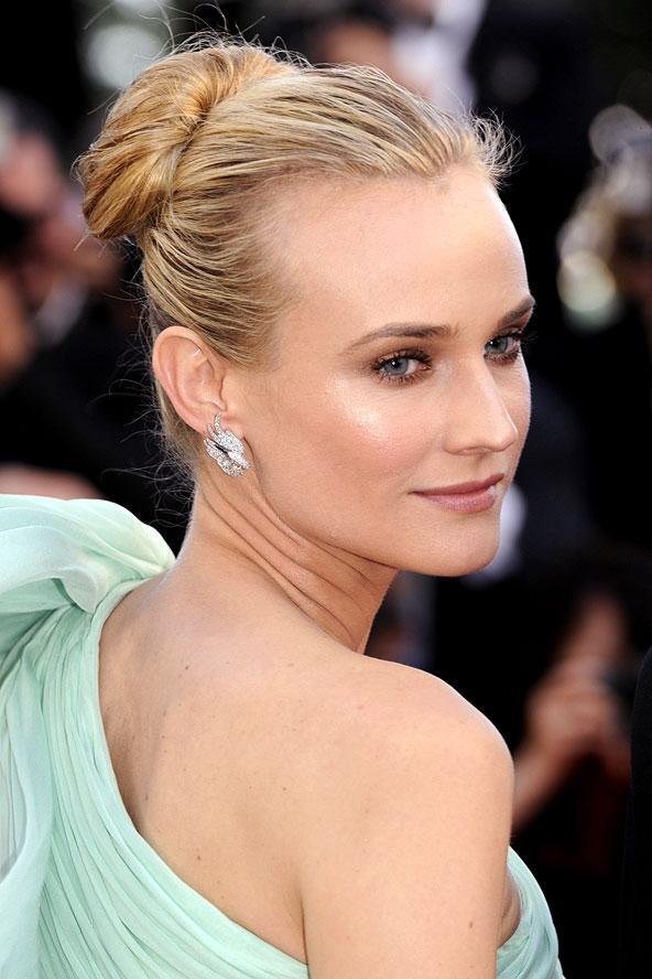 Diane Kruger Cannes'ın en şık ve güzel kadını olduğunu denediği her tarzı başarıyla taşıyarak kanıtlıyor.