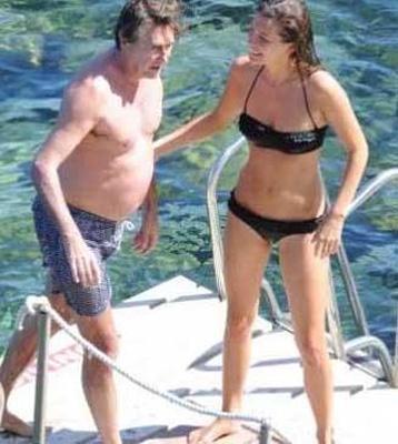 Onların aşkının bu kadar ilgi çekmesinin tek sebebi Amanda Sheppard'ın 27, Bryan Ferry'nin 63 yaşında olması değil.