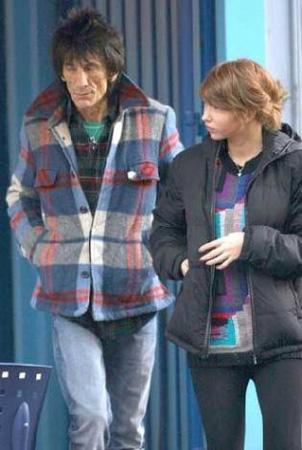 1947 doğumlu Ronnie Wood, Rus barmen Ekaterina Ivanovna ile yaşadığı aşkla çok konuşulmuştu.