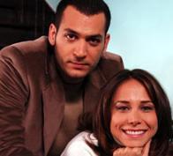 SEVİŞMEK SERBEST, İZLEMEK YASAK Murat Yıldırım ile eşi Burçin Terzioğlu ise sevişme ve öpüşme sahneleri konusunda farklı bir çözüm bulmuşlar.