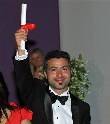 Festivalde, ''Altın Kamera'' ödülü ABD'li yönetmen Benh Zeitlin'in, ''Les Betes du Sud sauvage'' isimli filmine ''festival büyük ödülünü'' de İtalyan yönetmen Matteo Garrone'nin ''Reality'' isimli filmine verdi.  ''En iyi erkek oyuncu'' ödülünü, Danimarkalı aktör Mads Mikkelsen, Tnomas Vinterberg'in yönettiği ''La Chasse'' isimli filmdeki performansıyla kazanırken, ''en iyi kadın oyuncu'' ödülünü ise iki Romen Cosmina Stratan ve Cristina Flutur, yönetmen Cristian Mungiu'nun, ''Au-dela des collines'' isimli filminde gösterdikleri performansla elde etti.