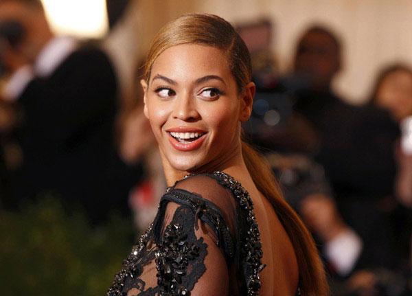 Beş ay önce kızı Blue Ivy'i dünyaya getiren Beyonce doğumdan sonra 27 kilo vermesi gerektiğini ve bunun için yürüme bandında çok vakit geçirdiğini söyledi.