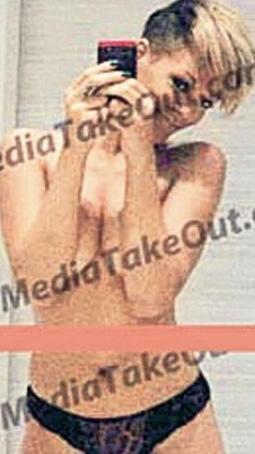 Eski nişanlısı Chris Brown tarafından internete sızdırılan çıplak fotoğrafları yüzünden sıkıntılı günler geçiren Rihanna ikinci kez aynı kabusu gördü.