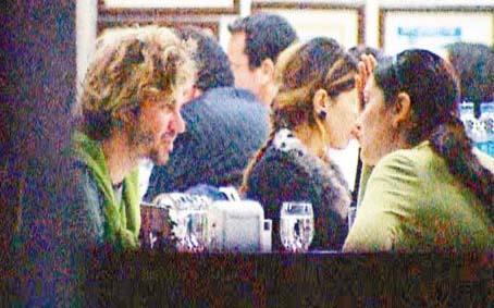 Bergüzar Korel ile Tan Sağtürk'ün çok konuşulan aşkı da bu fotoğrafla ortaya çıkmıştı.