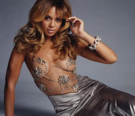 """BEKARETİMİ KOCAMA VERDİM  Pop müziğin seksi yıldızı Beyonce, yaptığı son açıklamayla herkesi şaşırttı. Beyonce """"KulaĞa tuhaf geliyor biliyoruM ama, evleninceye kadar bekaretimi korudum"""" dedi."""