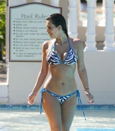 'Kalça güzeli' olarak da tanınan Amerikalı ünlü sosyete güzeli ve seksi yıldız Kim Kardashian, dış görünümündeki en olumsuz yanı selülitleri.