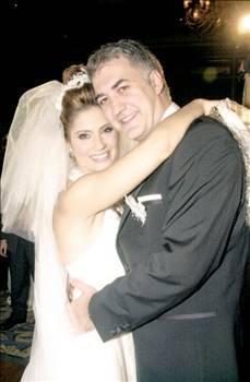 Hatta çift aşklarını nikah masasına taşıdı..Bu arada Karadağlı'nın şöhreti de giderek arttı, kariyerinde hızlı bir yükselişe geçti..