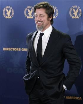 BRAD PITT  Matrix'te Keanu Reeves'in rolü için asıl düşünülen isim oydu...