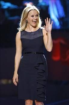 REESE WITHERSPOON  Oscar ödüllü Reese Witherspoon'un erkek kardeşi John, 5 Ekim 2002'de Nashville'de komşusu olan bir kadının evine habersizce girdi.