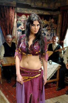 Hatice Şendil ile Necati Şaşmaz'ın Kurtlar Vadisi Pusu'nun setinde başlayan rol arkadaşlıkları aşka dönüşmüştü.