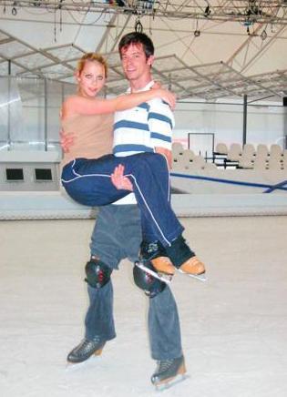 Kırşan Buzda Dans yarışmasının da katılımcılarındandı.