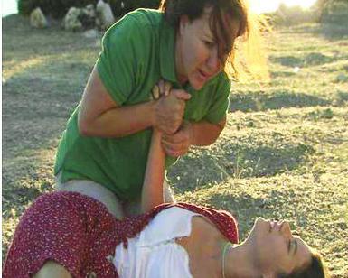 İlk bölüm bittiğinde Türkiye'de herkes Fatmagül'ü Suçu Ne'deki sarsıcı tecavüz sahnesini tartışıyordu.