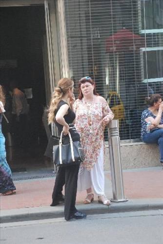 Alışveriş merkezi çıkışında görüntülenen Müftüoğlu'nun aldığı kilolar dikkat çekti.