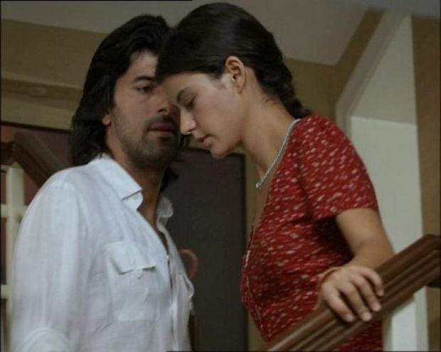 FATMAGÜL - KERİM: Kanal D'de ekranlara gelene Fatmagül'ün suçu Ne'nin kahramanları Fatmagül ve Kerim.