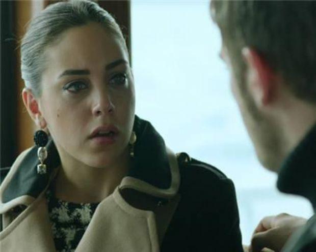 Kuzey, mahallenin güzel kızı Cemre'ye aşık. Tam da ona aşkını itiraf etmeye gittiği gün hiç beklemediği bir manzarayla karşılaştı.