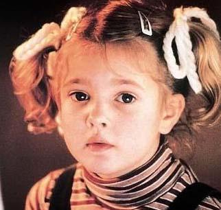 Henüz küçücük bir çocukken E.T adlı filmle şöhreti yakalamıştı Barrymore..