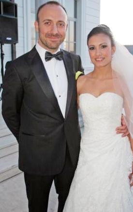 HALİT ERGENÇ- GİZEM SOYSALLI  Ekranların ünlü oyuncusu Halit Ergenç'in evliliği sürpriz olmuştu, boşanması da sürpriz oldu. Ergenç 2007 yılının haziran ayında GizeM Soysaldı ile evlendi. Bir anlık kıvılcımla başlayan aşk nikah masasına taşınmıştı.