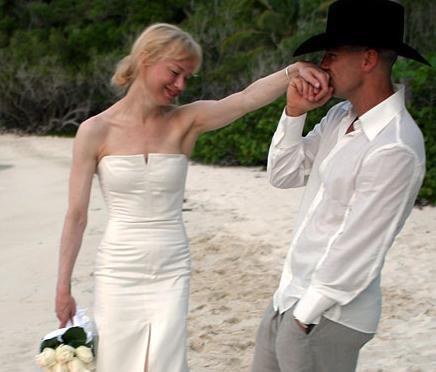 Zellweger ve Chesney'in evliliği gösteri dünyasının en kısa evliliklerinden.