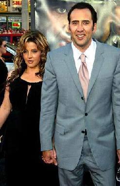 LISA MARIE PRESLEY- NICOLAS CAGE Rock müziği efsanesi Elvis Presley'in kızı Lisa Marie ile ünlü aktör Nicolas Cage'in evliliği sadece 3 ay sürdü.