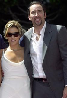 Cage daha sonra bu evliliğin bir hata olduğunu söyledi.