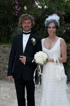 Ayrılığın ardından Ceyda Düvenci ,Ece Özbek ve Bergüzar Korel ile ilişki yaşayan Tan Sağtürk şimdilerde Alone Ataberk ile evli ve bir kızları var.