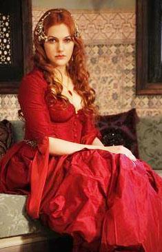 Almanya'da doğup büyüyeh Meryem Sahra Uzerli'nin adını Muhteşem Yüzyıl dizisine kadar çok az kişi duymuştu.