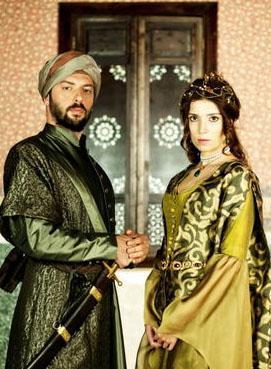İddialara göre Yalabık önceleri diziden bölüm başına 8 bin lira alıyordu.