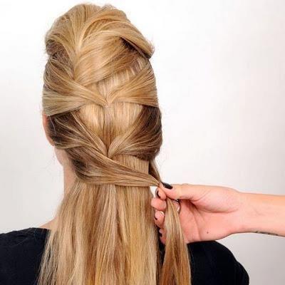Aynı şekilde daha altta kalan saçlarınız içinde yandan alarak bağlayın.