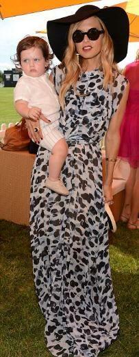 Skyler, ünlülerin moda tasarımcısı olarak tanınan Rachel Zoe ile Rodger Berman'ın 1 yaşını henüz geride bırakan oğlu.