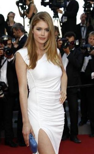 Kroes'un bu fotoğrafı geçen yıl Cannes Film Festivali'nde çekildi. Ünlü manken o sıralar 5 aylık anneydi.