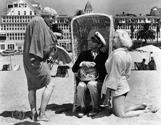 14. Some Like It Hot/Bazıları Sıcak Sever (1959) Yönetmen: Billy Wilder Oyuncular: Marilyn Monroe, Tony Curtis, Jack Lemmon