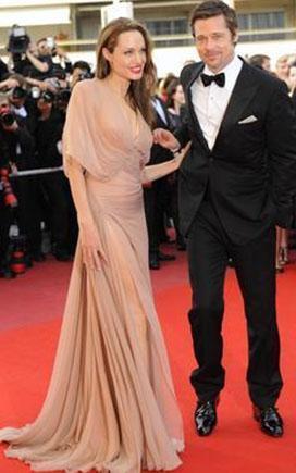 Jolie'nin çok beğenilen elbisesi.