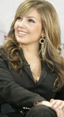 Meksikalı oyuncu ve şarkıcı Thalia'ya..