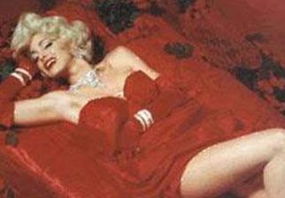Bu da Monroe'nun ünlü pozu.